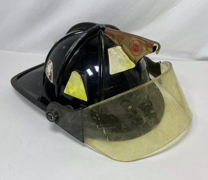 Cairns 1010 Firefighter Helmet