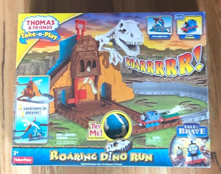 Thomas The Tank Engine - Roaring Dino Run   Toys - Indoor