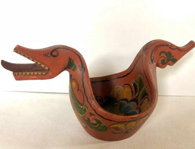 ANTIQUE NORWEGIAN HAND CARVED & PAINTED WOOD ALE DRINKING VIKING BOWL DRAGON