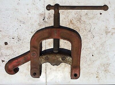 Ridgid B-324 Bench Yoke Vise 18 - 6 Pipe Capacity