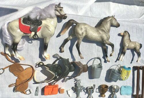 BREYER TRADITIONAL 20 LOT ACCESSORIES CLASSICS HORSES