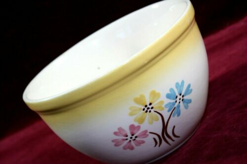 "* VINTAGE HULL POTTERY OVEN SERVE MIXING BOWL 7-1/2"" FLOWERED #20 USA 1950"