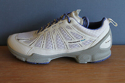 ECCO Women's Biom Train Core Shoe, White - Size  EU 39 ( 8 - 8.5 US )