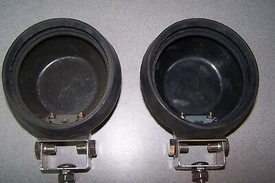 Rubber fog or work lamps mounting housing rubers