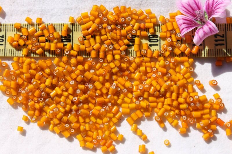 Italian  2.5x3mm Tube Cylinder Mixed Yellow White Heart Glass Tube Seed Beads