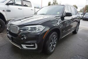 2015 BMW X5 Xdrive35i- LEATHER, SUNROOF, NAV!