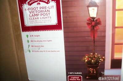 Holiday Lamp Post Decorations (VICTORIAN 4 FT TALLL PRE LIT LAMP POST CLEAR LIGHTS CHRISTMAS HOLIDAY DECOR )