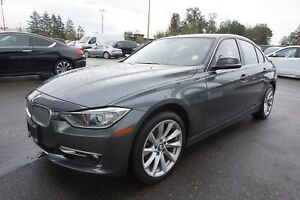 2014 BMW 3 Series 328I Xdrive- SUNROOF, NAV + LEATHER!