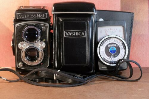 Yashica-Mat    With a Gossen Meter,  ( Last Edition in Excellent ++)