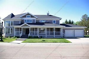 STUNNING 4 BEDROOM, 3.5 BATH HOME W/ DOUBLE ATTACHED GARAGE