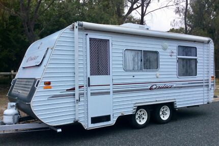 2001 Regent Cruiser, Dual axle caravan, air conditioned