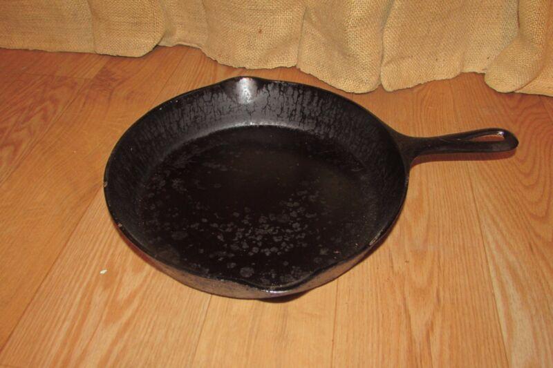 Antique Cast Iron GRISWOLD Erie PA No. 8 Skillet 704 #2038