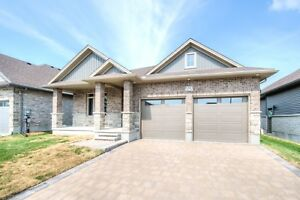 Collins Way Strathroy Mildon Homes Model Home