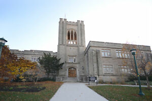 Students Wanted! 2 Bed Penthouse - Walk to WesternU