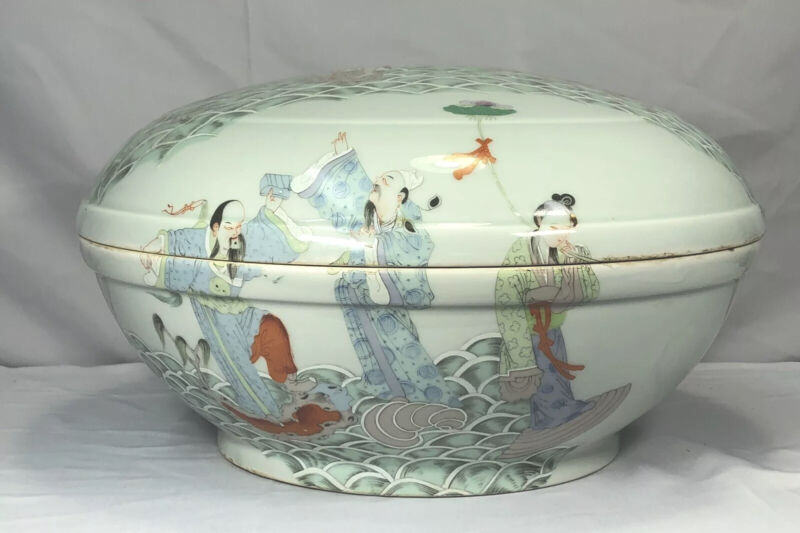Large Chinese Famille Rose Immortals Box And Cover