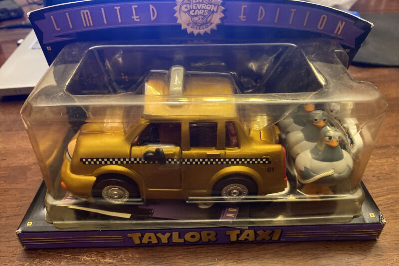Taylor Taxi - Limited Edition Gold Chevron Car - 2001 - New
