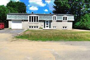 Maison - à vendre - Saint-Basile-le-Grand - 24020413
