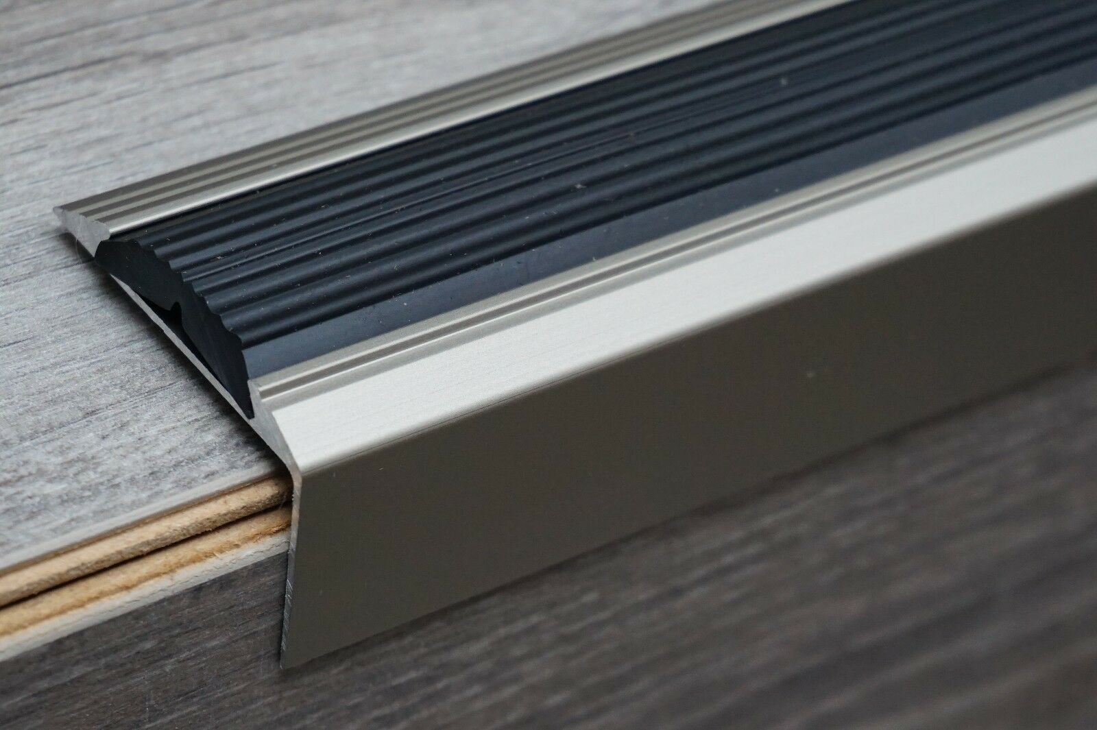 120 cm INOX aluminium antislip trappen profiel trapprofiel hoek profiel trapkant