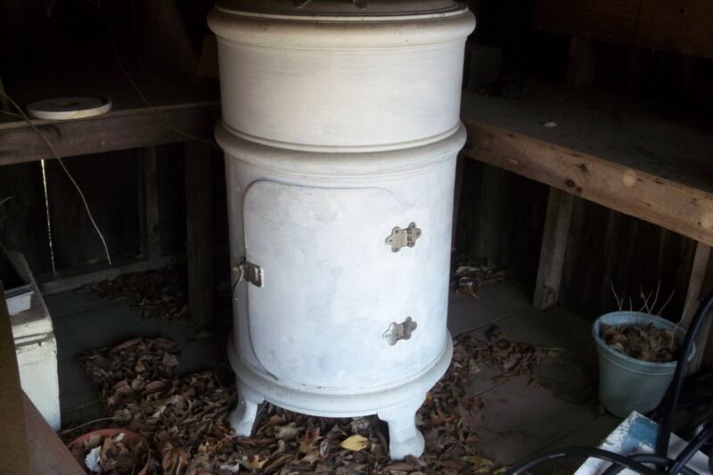Antique 1908 Round Ice Box
