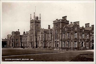 Belfast Irland Irish Postcard ~1950/60 Blick auf die Queens Universität Park