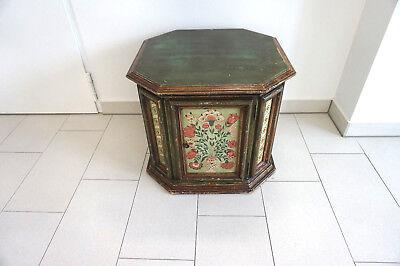 Kleine ältere Komode, Truhe, Tisch, bäuerlich bemalt