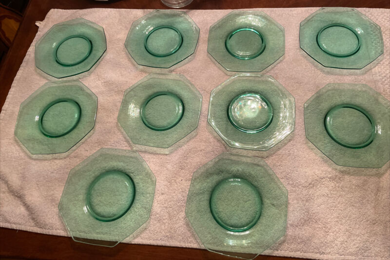 "vintage Set Of (10) Green Hexagon 7.375"" Glass Plates"