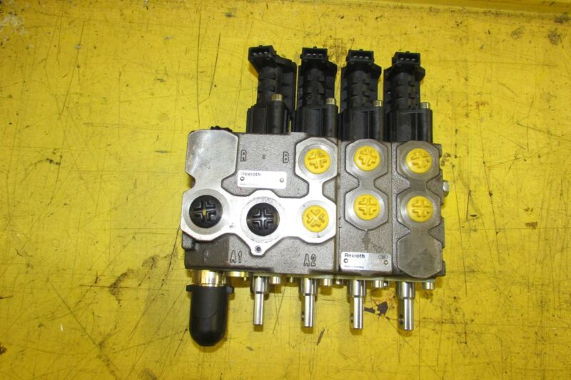 Rexroth Hydraulic Control Block Remote Valve New No Box