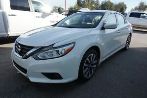 2017 Nissan Altima 2.5, SUNROOF, ALLOY WHEELS