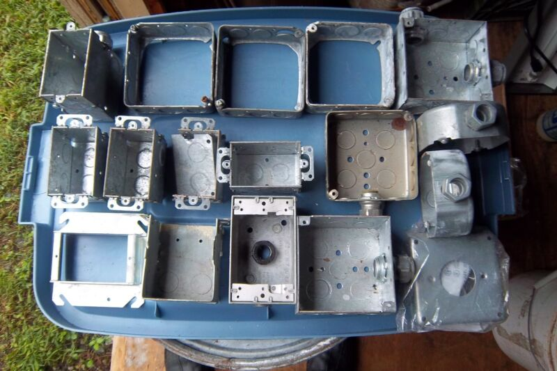 Hubbell & Others Galv.electrical Boxes Lot Of 17