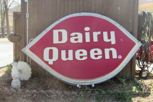 "Vintage Large 118""L X 78""T Dairy Queen DQ Double Sided Light Sign #2785"