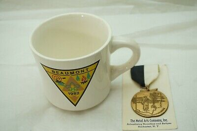 VINTAGE BOY SCOUTS CAMP SOUVENIR BEAUMONT CUP JOHNNY APPLESEED TAIL MEDAL LOT 2