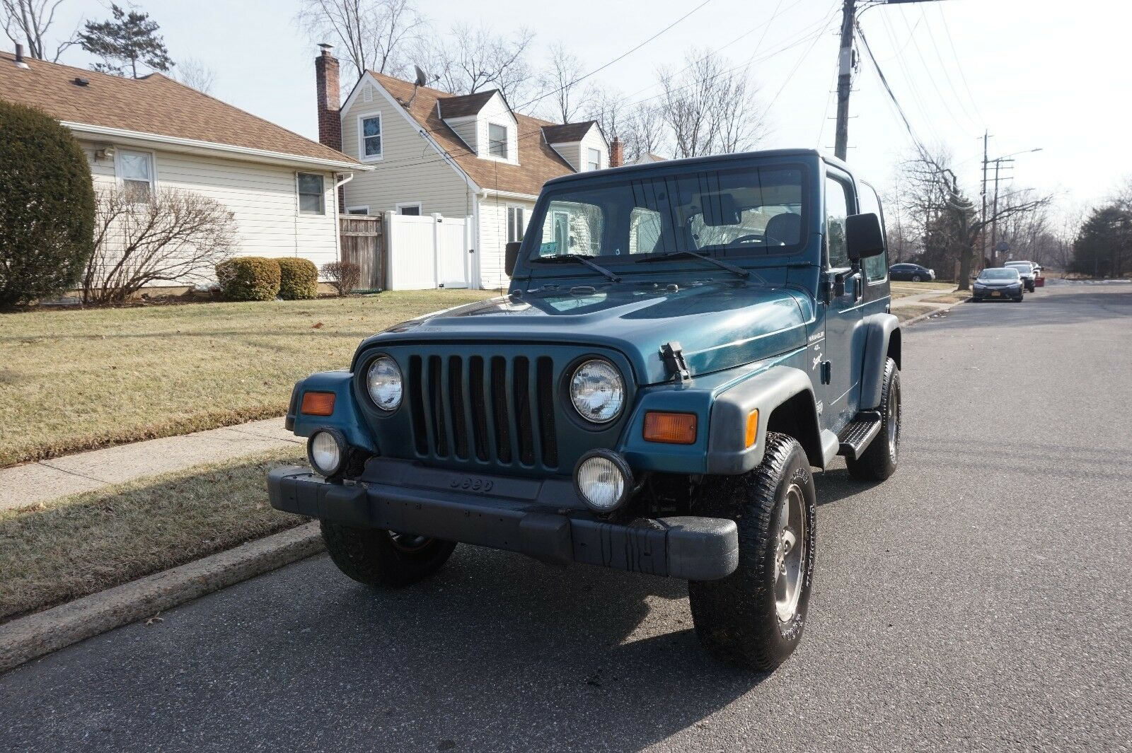 1998 Jeep Wrangler SPORT JEEP WRANGLER AUTOMATIC, RUST FREE FRAME AND BODY