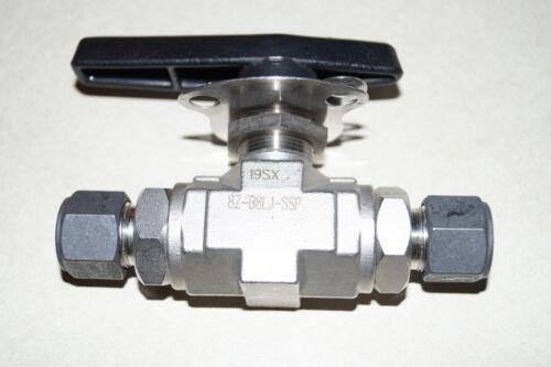 Parker Instrumentation Lockable Ball Valve (8Z-B8LJ-SSP)