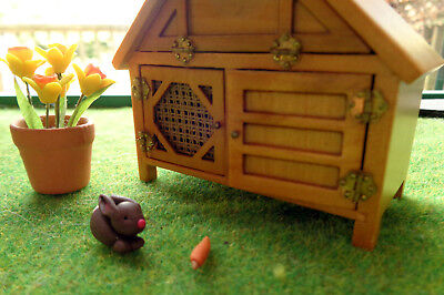 Dolls House Miniature Accessories: Easter / Spring Bunny Rabbit and carrot