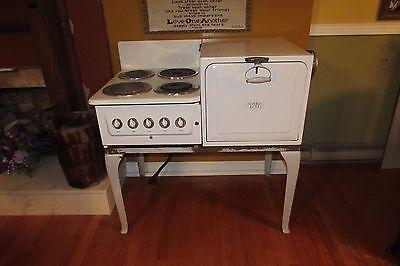 Vintage Antique 1937 Universal Electric Porcelain Farmhouse Stove/Oven #4018