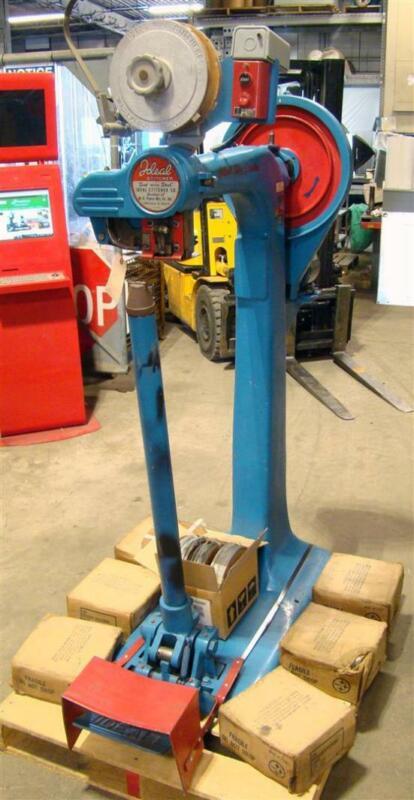 Ideal Industrial Stitcher Machine 1/3 HP, 115v, IBUA-2043