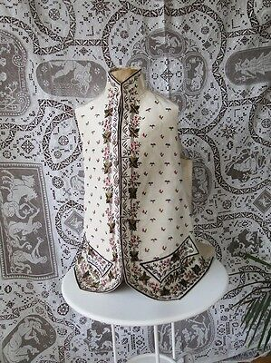 EXQUISITE 18THC. MAN'S SILK POLYCHROME EMBROIDERED WAISTCOAT