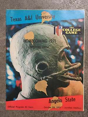 ANGELO STATE UNIVERSITY @ TAXES A&I COLLEGE FOOTBALL PROGRAM 1971 - Angelo State Football