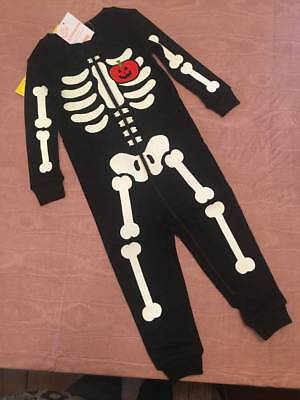 NWT Gymboree Halloween Baby Boy Skeleton Glow in the Dark 1pc Pajamas 12-18 & 2T](Glow In The Dark Skeleton Pajamas Boys)