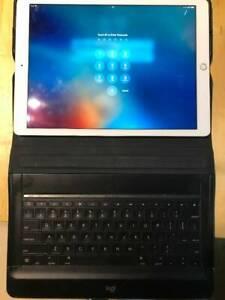 iPad Pro 12.9in 1st Gen with Logitech KB case