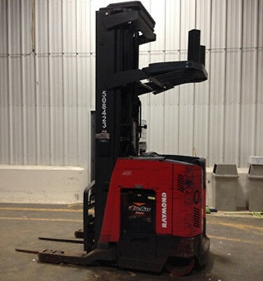 Forklift Reach Truck Raymond Electric 4500 Lbs Capacity