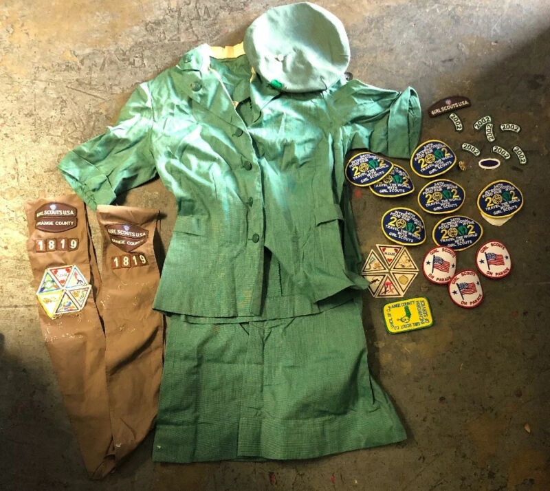 Vintage Official Girl Scouts Green Plaid Uniform Shirt, Skirt,Hat & Patches Sz12