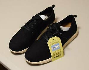 Toms Unisex Black Shoes Size 8.5 Canning Vale Canning Area Preview