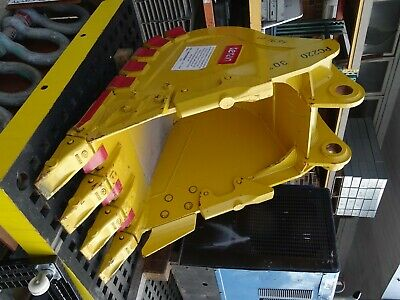 30 Excavator Bucket Komatsu 80mm Pin Heavy Duty Pc220