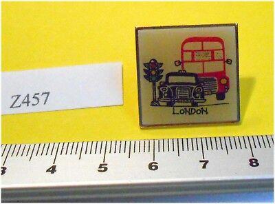 Enamel London Taxi  & London Bus Badge PIn