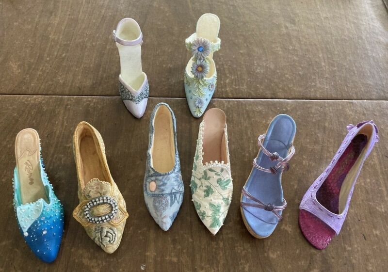 Just the Right Shoe Lot of 6 No Boxes + bonus 2 other brand shoes see descript.