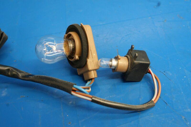 porsche 911 964 c2/c4/turbo (1989-1993 1994) oem tail light wiring harness  with bulbs