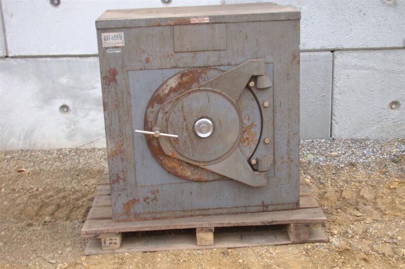 Diebold  Vintage Burglary-Resistant Safe  , TL-30