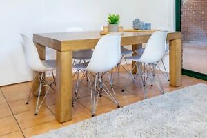 Dining Table and 6 x chairs!