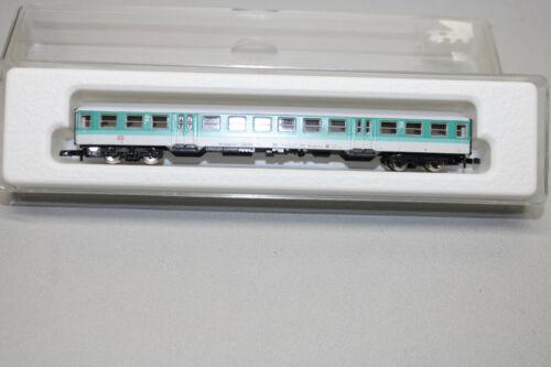 Märklin 8780 Mini Club 4-Achser Commuter Car White/Turquoise Z Gauge Boxed